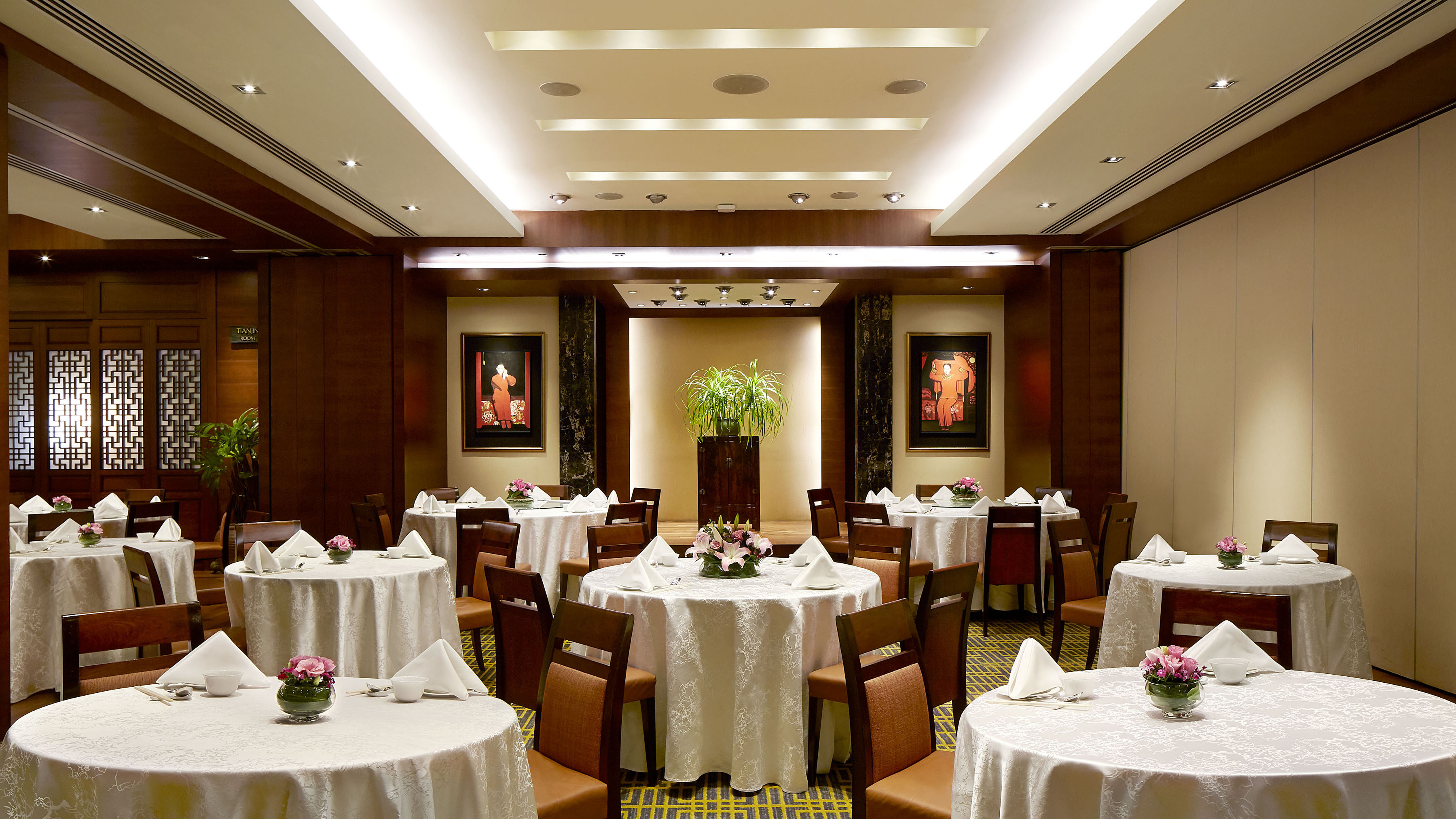 Establishments Detail - Tien Court, Copthorne King Hotel | World